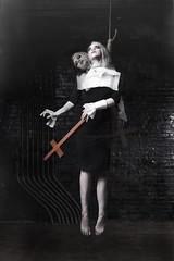 the hanging (Amy Ballinger) Tags: woman beautiful dark dead death cross witch ghost levitation hanging salem dying hang noose withchunt