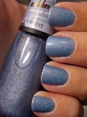 Princesa em Fuga - Avon + Dance Mais - Impala (Natalia Breda) Tags: azul impala holográfico esmaltenacional
