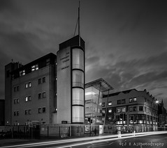 Hackney Community College, Shoreditch Campus ([J Z A] Photography) Tags: longexposure bw film monochrome analog kodak le shoreditch lighttrails tmax400 5x4 whitbybird hc110h hackneycommunitycollege jzaphotography perkinsogdenarchitects artdesignandmediacentre