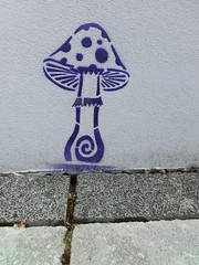 Pilz (Feuerstaub) Tags: art mushroom wand kunst pilz dekoration