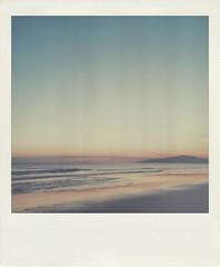 Mi primer atardecer (Vallelitoral) Tags: old light sea sky cute luz beach vintage polaroid mar nice twilight andalucía playa retro cielo tarifa iphone atardeder flickraward iphonegraphy