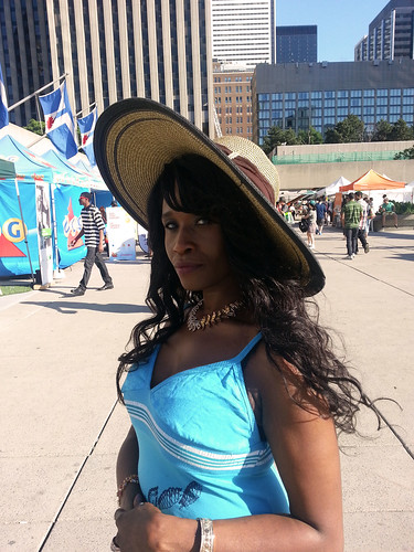 Queen Sabine Lovely Summer