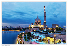 LANDMARKS OF MALAYSIA: PUTRA MOSQUE, PUTRAJAYA. (amrilizan photography) Tags: twilight mosque bluehour putrajaya putrajayamosque redmosque putramosque dataranputra