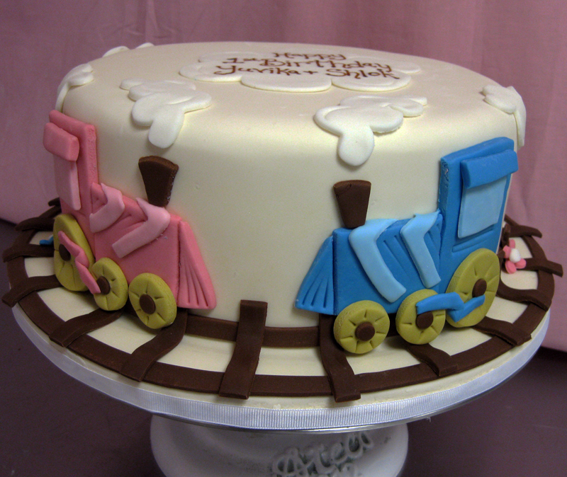Single Tier Train Cake Med