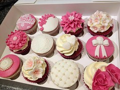 Pink & White Pretty Cupcakes