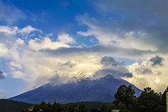 Izta Popo (Mittchel Alcantara) Tags: travel blue sky snow beautiful mxico clouds mexico volcano natural motorola traveling popocatepetl motox volcan estadodemxico iztapopo