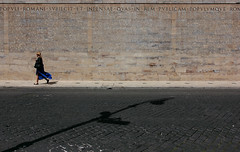 (_Pek_) Tags: shadow rome explore arapacis