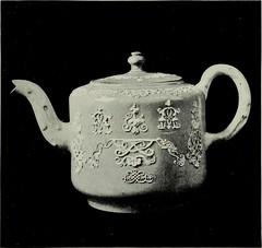 Anglų lietuvių žodynas. Žodis teapoy reiškia ind. n trikojis arbatos staliukas lietuviškai.