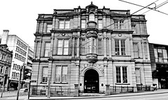 city gramar school (Harry Halibut) Tags: 2017©andrewpettigrew allrightsreserved contrastbysoftwarelaziness noiretblanc blackwhite blancoynegro blanc weiss noire schwatz bw zwart wit bianco nero branco preto imagesofsheffield images sheffieldarchitecture sheffieldbuildings colourbysoftwarelaziness south yorkshire sheffield city grammar school 1880 tjflockton errobson achitects designers leopold street council education offices hotel gradeii isted central technical west orchard lane square english renaissance revivalist firth college schools board sheff1702267972