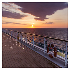 diary | Tagebuch 2017-04-05 1466 (wideness) Tags: canon canoneos6d costa costadiadema deck deckreeling eos f012 fujisensia horizont kreuzfahrt mediterraneansea meer mittelmeer planken quadrat reise rettungsring sonnenaufgang tagebuch tagesbild vsco vscofilm07 wolke cloud cruise dailypicture dairy horizon planks reeling rescuering sea square sunrise travel trees ef24105mmf4lisusmii 24105mm