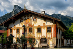 Pilatushaus. Oberammergau (Bavière) (jjcordier) Tags: pilatushaus oberammergau allemagne bavière maison bâtiment histoire mural