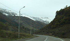 Caucasus mountains_2016_10_20_1743 (FarmerJohnn) Tags: matkustus travelling georgia gruusia грузия кавказ vuoristo vuori caucasus mountain caucasusmountain kaukasus tie road mountainroad горная дорога snow ice lumi jää снег лед jvaripass2395m jvari 2935m lehmä cow lammas lamb корова овца canon 7d canonef163528liiusm juhanianttonen
