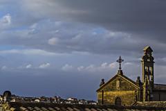 Desde el tejado (Ignacio M. Jiménez) Tags: carmelitas sanmiguel espadaña iglesia church cielo sky nubes clouds ubeda jaen andalucia andalusia españa spain ignaciomjiménez