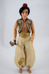 2015 Limited Edition Aladdin 18 Inch Doll - US Disney Store Purchase - Deboxed - Free Standing - Full Front View #2 (drj1828) Tags: disneystore purchases aladdin diamondedition 18inch limitededition doll collectible deboxed freestanding