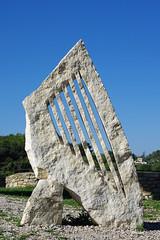 Le Beaucet (Vaucluse) : la harpe de pierre (bernarddelefosse) Tags: lebeaucet vaucluse provence pierre harpe
