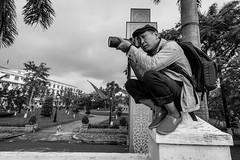 A street hunter (tumivn) Tags: hue vietnam street streetphotography streethunter monochrome blackandwhite zeiss1635 a99ii