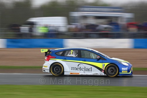 Stephen Jelley in race three at the British Touring Car Championship 2017 at Donington Park