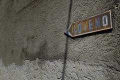 Loveno (MoJo_3016) Tags: menaggio comersee lakecomo lario lombardei provinzcomo sanagra menas provincecomo lombardy northernitaly senagra menàas lake provinciadicomo lombardia lombardie italie lacdecôme wand schild