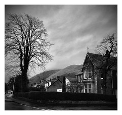 Tillicoultry Scotland (frankhimself) Tags: nature atmospheric trees houses tourists scenic moody beautiful stunning mist clouds sky mountains bw blackandwhite scenery fromtheroadside scotland tillicoultry