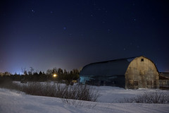 Lonely barn (Danny VB) Tags: gaspésie québec canada canon 6d winter snow barn cold hiver trees old night sky stars sattellite