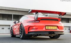 Porsche 911 GT3RS. (JayRao) Tags: dubai unitedarabemirates ae autodrome april 2017 fx 2470 nikkor d610 nikon jayr supercar limited edition porsche 911 991 gt3rs