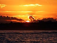Puesta de sol (Antonio Chacon) Tags: andalucia atardecer marbella málaga mar mediterráneo mediterranean costadelsol cielo españa spain sunset sol puestadesol paisaje nubes nature naturaleza
