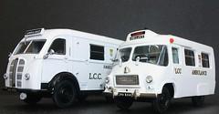 Austin K8 and Wandsworth BMC London ambulance models. (Ledlon89) Tags: austin ambulance nhs wandsworth threeway lcc scalemodels diecastmodel resinmodel modelambulance alltypesoftransport austink8 londonambualnce