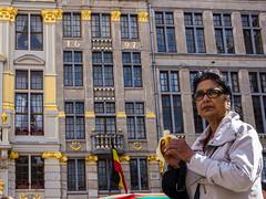 Banana Woman (greatkithain) Tags: color digital flickr pentax paisaje mayo urbano bruselas belgica paisajeurbano 2014 icapture dzoom flickrstars flickraward pentaxian flickrestrellas pentaxart flickrglobal naturpixel mygearandme pentaxk5 ringexcellence