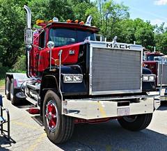 Mack Superliner (jack byrnes hill) Tags: canon mack antiquetrucks superdog superliner g16 macksuperliner vintagemack jackbyrneshill canong16 superfastg16