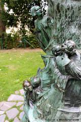 BRUXELLES - Parc du Palais d'Egmont - Statue de Peter Pan (Tales of a Wanderer) Tags: brussels statue belgium belgique belgie bruxelles peterpan bruselas brussel belgica jardins egmont jmbarrie georgeframpton
