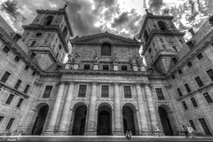 Monasterio del Escorial / Escorial Monastery (D. Lorente) Tags: madrid bw monument architecture buildings nikon cathedral perspective symmetry monastery hdr dlorente