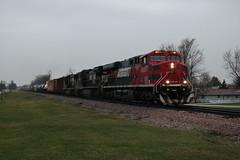 FXE 4697 (CC 8039) Tags: fxe ns cn ic cc trains es44ac c408w sd70m lena illinois