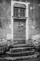 3 Rue André Audinet, Donzy, the Nièvre, January 2017 (serial_snapper) Tags: républiquefrançaise building blackwhite nièvredépartement bourgognefranchecomtérégion donzy bourgognefranchecomté france fr