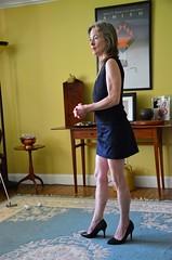 DSC_0079jj (ARDENT PHOTOGRAPHER) Tags: muscular flexing calves granny grannies skinnywomen highheels biceps