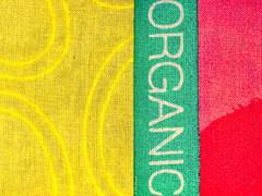 Cloth/Textile: Organic (Silke Klimesch) Tags: macromonday clothtextile hmm mm organic cloth textile fabric colourful yellow green red stoff gelb grün rot toile tejido tecido stoffa printed tecidoestampado organiccotton cotton bag totebag biobaumwolle baumwolle bunt gudrunsjödén sweden scandinaviandesign macro closeup makrofotografie nahaufnahme olympus omd em5 mzuikodigitaled60mm128macro microfourthirds