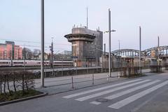Bahnhof Hackerbrücke, München (Mike Dizzy) Tags: münchen munich bayern bavaria germany deutschland architektur architecture stadt city urban nikon d7000 bahnhof train station hackerbrücke