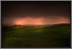 nuvole nere (Enzo Ghignoni) Tags: nuvole erba collina case cielo verde