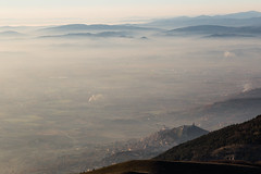 Assisi (Massimo_Discepoli) Tags: assisi mist mountains fog space beautiful town distance top