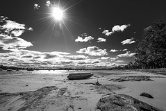 DSC01510 (Damir Govorcin Photography) Tags: boat sand water rocks sky clouds sun landscape wide angle blackwhite monochrome sydney canada bay natural light sony a7ii zeiss 1635mm perspective creative composition