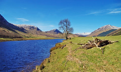 Glen Lyon and the river Lyon (eric robb niven) Tags: ericrobbniven scotland glen lyon glenlyon perthshire landscape