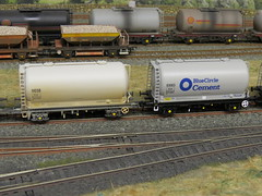 BRAND NEW BACHMANN PCA BLUE CIRCLE CEMENT TANKS (37686) Tags: new blue circle cement bachmann brand tanks pca