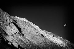 Moon over Mount Morgan (Robert Gourley) Tags: cliff moon mountain night mt mcgee moonrise wilderness morgan eastern 395 seirras