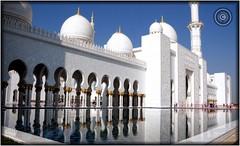 Abu Dhabi, United Arab Emirates (Wioletta Ciolkiewicz) Tags: city building capital ciudad mosque arabic abudhabi dome emirate unitedarabemirates citt zea miasto budynek stolica kopua sheikhzayedbinsultanalnahyan meczet emiratiarabiuniti  emiratosrabesunidos sheikhzayedgrandmosque  uaezjednoczoneemiratyarabskie wiolettaciolkiewicz