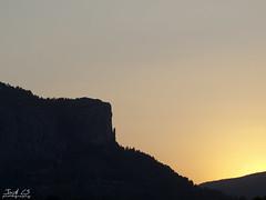 Penya El Frare (Jordixot) Tags: naturaleza sun muro sol nature atardecer 50mm olympus alicante om montaa montain alcoy pea penya frare