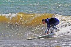 Snygg våg 1 (Quo Vadis2010) Tags: westcoast västkusten kattegatt hallandslän halland municipalityofhalmstad halmstadkommun halmstad sandhamn görvik cityofsurfers wavesurfing wavesurf vågsurfing vågsurf surfing surf vågor våg sea hav beach strand surfbräda bräda sport activity aktivitet lifestyle livsstil se