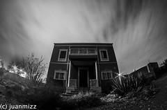 la casa misteriosa camino del río (juanmizz) Tags: casa río casamisteriosa misteriosa