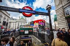 Picadilly Circle Station (Daniel Zwierzchowski) Tags: london uk united kingdom england eos550d eos 550d 1022mm canon underground picadilly circle station people citycentre city