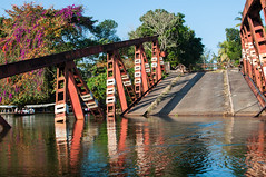 Pont à Manakara (Masta Panda) Tags: bridge madagascar pangalanes canal pont cassé broken gustave eiffel bougainvillier
