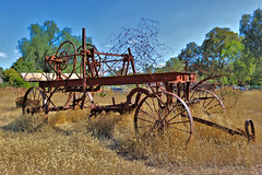 RUSTING OLD FARM MACHINERY _ ID HEARN MACKINNON (IDH Mackinnon) Tags: id hearn mackinnon rusty rusting farm machinery machine 2017 new south wales nsw country rural outdoor old vintage classic historic historical era agricultural implement australia australian photographer photographs photos photo picture image chiltern albury murray river c1900 nineteenth century
