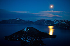 Moonlight over Crater Lake (klauslang99) Tags: klauslang nature northamerica naturalworld moon crater lake oregon landscapes mountains sky night outdoor usa